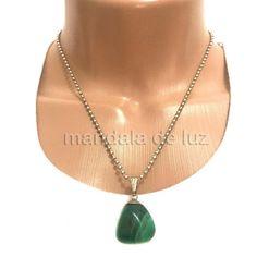 24,90 - Colar Prateado de Pedra Ágata Verde