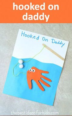 Hooked on Daddy Fish Handprint Card. This is too cute for Father's Day! * F… Hooked on Daddy Fish Handprint Card. This is too cute for Father's Day! * Fish hand print * Hand print crafts * Kid's Father's day ideas * Father's Day crafts via Kim Daycare Crafts, Sunday School Crafts, Baby Crafts, Toddler Crafts, Preschool Crafts, Preschool Camping Theme, Preschool Learning, Fun Crafts, Diy Father's Day Gifts