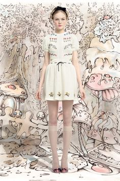Red Valentino Fall 2013 Ready-to-Wear Collection Photos - Vogue Love Fashion, Runway Fashion, High Fashion, Fashion Design, Fashion Brand, Fashion Ideas, Vintage Outfits, Vintage Fashion, Lady Like