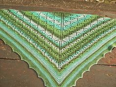 Mommabear7 is one of my wonderful testers for the Toscane shawl. She made a gorgeous striped version using a gradient yarn. You can see her version here: http://www.ravelry.com/projects/Mommabear7/toscane-test  #lavischdesigns #knitting #breien