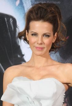 Kate Beckinsale Photos - Actress Kate Beckinsale poses at a photo call for her film 'Underworld Awakening' on January 26, 2012 in Berlin, Germany. The 3-D film, in which Beckinsale returns as the vampire warrioress Selene, comes to German cinemas on February 2, 2012. - Kate Beckinsale Attends 'Underworld Awakening' Photocall