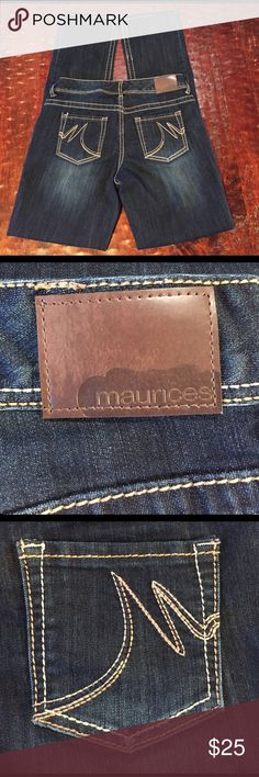 """Maurices Straight Dark Wash Jean Size 7/8 Long Maurices Straight Dark Wash Jean Size 7/8 Long. Jean has a long inseam of 33"""". Jean is in excellent condition with no signs of wear. Comes from a Smoke Free/Pet Friendly Home. Offers always welcome. Maurices Jeans Straight Leg"""