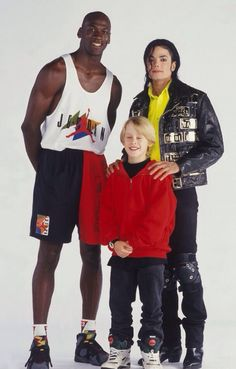 Michael Jackson, Macaulay Culkin And Michael Jordan Pose In The Most '90s Photo Ever Taken