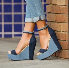 The two toned denim detail on the Mayonna wedge is perfect for a casual day to run some errands. #ShoeDazzle #streetstyle #wedges #shoes