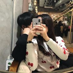 Find images and videos about couple, korean and ulzzang on We Heart It - the app to get lost in what you love. Cute Couples Photos, Cute Couple Pictures, Cute Couples Goals, Romantic Couples, Couple Photos, Couple Ulzzang, Ulzzang Girl, Korean Couple, Korean Aesthetic