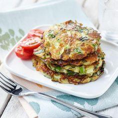 Kesäkurpitsapihvit | Maku Salmon Burgers, Deli, Tapas, Zucchini, Vegetarian Recipes, Yummy Food, Cooking, Breakfast, Health