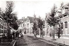 korvelseweg.  We zien hier de Korvelseweg in 1916, vlak bij het Korvelplein. Het grote huis waar je op kijkt was van fabrikant Rudolf Diepen-Sträter. We zien hier nog rechts de spoorlijn van de stoomtram die naar Goirle, Hilvarenbeek en Esbeek liep.