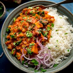 Chickpea and Sweet Potato Curry Chickpea Recipes, Veggie Recipes, Indian Food Recipes, Asian Recipes, Vegetarian Recipes, Cooking Recipes, Healthy Recipes, Veggie Dinners, Healthy Meals