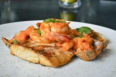 """Hoy te recomendamos el WISH DISH del restaurante Tomate y Amor. Corvina """"Frutti Di Mare"""", Corvina a la plancha en salsa de tomate con almejas, calamares, arañitas y camarones. ¡Ayudar nunca fue tan delicioso!"""