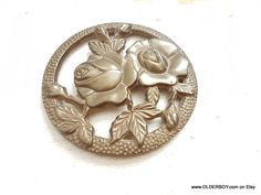 Vtg Two ROSES paperweight home decor collectible wall vintage decorations vtg decorative two roses circual round brass roses K09/821 by OlderBoy on Etsy