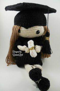 Etsy の Patricia Amigurumi Doll Crochet Pattern PDF by CarmenRent Knitted Dolls, Crochet Dolls, Crochet Hats, Doll Patterns, Crochet Patterns, Crochet Ideas, Rainbow Loom, Yarn Colors, Cute Crochet