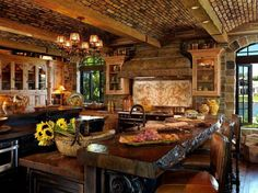 Love this wood kitchen!!