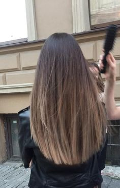 Are you going to balayage hair for the first time and know nothing about this technique? We've gathered everything you need to know about balayage, check! Ombre Hair Color, Brown Hair Colors, Cool Hair Color, Purple Hair, Brown Hair Balayage, Hair Color Balayage, Balayage Hair Brunette Straight, Haircolor, Blonde Brunette