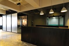 Cool Raw Office Design > Reception