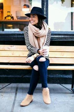 Pretty Blazer Outfit with A Hat