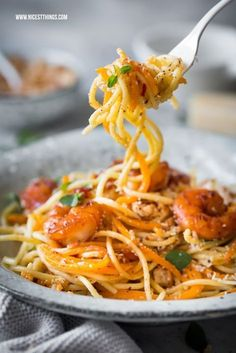Butternut pumpkin spaghetti with prawns, brown butter and crumbs # prawns . - Butternut pumpkin spaghetti with prawns, brown butter and crumbs pasta pumpkin pasta with b - Shrimp Recipes, Salmon Recipes, Potato Recipes, Lunch Recipes, Vegetable Recipes, Pasta Recipes, Beef Recipes, Vegetarian Recipes, Cooking Recipes