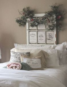 Shabby in love: Vintage Christmas French Cottage Decor, French Decor, French Country Decorating, Cottage Style, Cottage Door, Noel Christmas, Vintage Christmas, Christmas Ideas, Christmas Bedroom