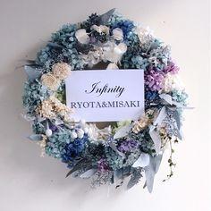 ドライフラワーアレンジメントピオニーの作品ギャラリーです。 Wreath Crafts, Diy Crafts, Castle In The Sky, Eucalyptus Leaves, How To Preserve Flowers, Green Flowers, Summer Wreath, Hydrangea, Wedding Bouquets