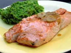 Losos s hořčicovou omáčkou No Salt Recipes, Fish Recipes, Cooking Recipes, Ham, Salmon, Seafood, Grilling, Food And Drink, Turkey