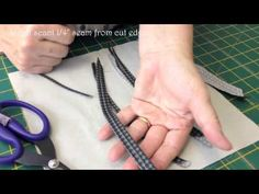 how to make bias stems by Lynette Anderson using bias bars Quilting Rulers, Quilt Binding, Quilting Tips, Hand Quilting, Quilting Designs, Patchwork Tutorial, Applique Tutorial, Japanese Patchwork, Patchwork Bags