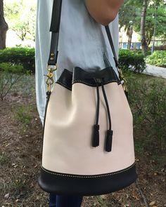 #leather #leathergoods #leatherbag#leathercraft #handstitch #crafted #handmade #custommade #lcm#lcmleatherworkshop #bag #gift #diy #handmadeworkshop #革#手工#皮革用品 #手縫