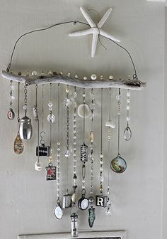10 Knowing Simple Ideas: All Natural Home Decor Lights natural home decor diy etsy.Natural Home Decor Rustic Chandeliers natural home decor diy projects.All Natural Home Decor Lights. Beach Crafts, Fun Crafts, Arts And Crafts, Carillons Diy, Easy Diy, Diy Wind Chimes, Seashell Wind Chimes, Crystal Wind Chimes, Glass Wind Chimes