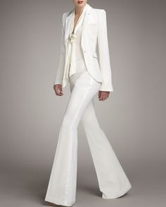 Tuxedo suit in white. Ultimate class.