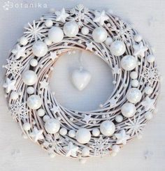 Are you looking for ideas for christmas wreaths?Browse around this site for very best Christmas inspiration.May the season bring you peace. Wreath Crafts, Diy Wreath, Christmas Projects, Holiday Crafts, Wreath Ideas, White Wreath, Bauble Wreath, Wood Wreath, Advent Wreath