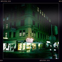 "Filiale der Wiener Café-Kette ""Aida"", Opernring, 1. Bezirk. Foto: Moka Consorten"
