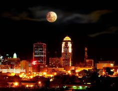 I love living in Des Moines!  There is so much to do here with still a small town feel.