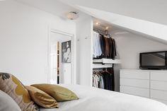 Cute and smart closet in bedroom! Sankt Eriksgatan 71A, Vasastan - Birkastan, Stockholm | Fantastic Frank