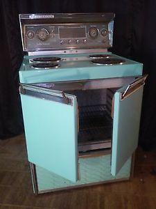 Vintage 1959 Frigidaire Custom Imperial Electric Oven Stove by General Motors Electric Stove For Sale, Electric Oven, Stove Oven, 50s Kitchen, Vintage Kitchen, Vintage Appliances, Kitchen Appliances, Rambler House, Bungalow