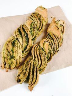 Geflochtenes Bärlauch-Pesto-Brot
