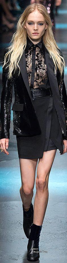 Milan Fashion Week.            Roberto Cavalli.           Fall 2015.            Ready-To-Wear.