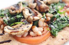 Reall about artisan pizza recipes. - Pizza Recipes to Delight - Pizza Bean Recipes, Soup Recipes, Salad Recipes, Protein Recipes, Mushroom Pizza Recipes, Plant Based Burgers, Artisan Pizza, Whole Wheat Pita, Vegetarian Chili
