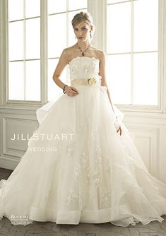 ウエディングドレス オリジナルコレクション|JILLSTUART WEDDING 公式ホームページ [ジル スチュアート ウェディング]