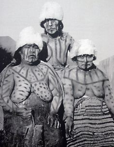 Selknam People in Tierra Del Fuego Photos By Martin Gunside taken in 1923 Southern Cone, Australian Aboriginals, Melbourne Museum, Native American, American Indians, Indigenous Tribes, People Of The World, First Nations, Tribal Art