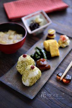 おにぎりワンプレート - Riceball Plate Japanese Food Sushi, Japanese Dishes, Fruit Recipes, Asian Recipes, Food Poster Design, Exotic Food, Food Humor, Food Presentation, Food Plating