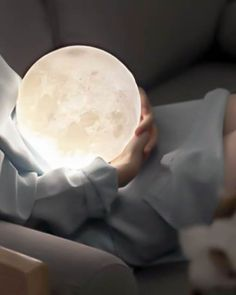 The moon has been a divine and enchanting symbol in human history, and it brings you a mystery, delight, belief, and romantic feeling. Decorate your own world with this moonlight - cast a gentle glow on your desk or bedside table.