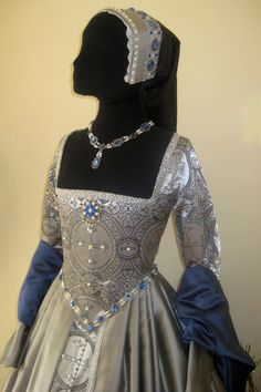 Jane Seymour Silver Gown - replica.