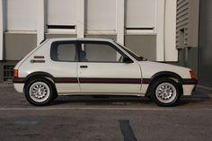 1985 Peugeot 205 GTI 1.6 | I4, 1,580 cm³ | 105 PS