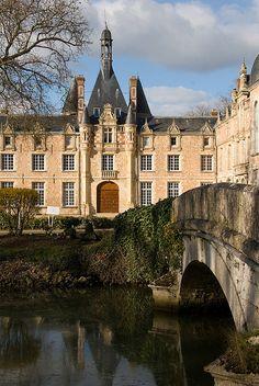 Chateau d'Esclimont, France