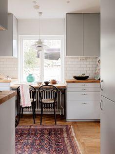 Historiska hem Villa, Kitchen, Table, Future, Home Decor, Ideas, Home, Baking Center, Homemade Home Decor