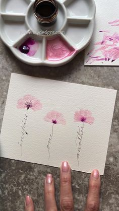 Simple florals using liquid acrylic and watercolor with a triangle brush. Spencerian calligraphy stems painting acrylic simple Simple floral design with calligraphy Watercolor Painting Techniques, Watercolour Tutorials, Pour Painting, Easy Water Colour Painting, Painting With Watercolors, Simple Flower Painting, Simple Watercolor Paintings, Simple Watercolor Flowers, Simple Flower Drawing