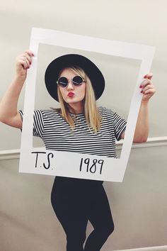 Dress like the ultimate Taylor Swift for Halloween from her 1989 album…
