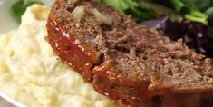Mom's Meatloaf – What's for Dinner Moms? Meat Loaf, Sweet Chili, Saveur, Bread Crumbs, Ground Beef, How To Dry Basil, Tapas, Mashed Potatoes, Stuffed Peppers