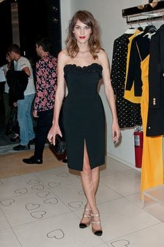 Alexa Chung looking lovely in a strapless Moschino LBD