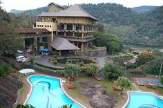 Cinnamon-Lakeside-Colombo-Sri-Lanka-->> www.voyagewave.com