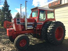 1976 IH 1568 Black Stripe International Tractors, International Harvester, Farming Life, Farmall Tractors, Red Tractor, Classic Tractor, Antique Tractors, Case Ih, Childhood