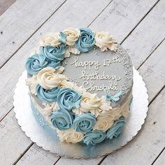 tu hi kar rahi ha topic start fhir sa mai calm hogaya tha i was enjoying music mai kya karo Cake Decorating Designs, Buttercream Decorating, Cake Decorating Techniques, Buttercream Cake, Cake Designs, Bolo Floral, Floral Cake, Pretty Cakes, Beautiful Cakes